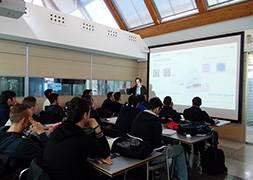 Italy – Trung tâm huấn luyện Mitsubishi phối hợp cùng Istituto Tecnico Industriale Statale G. Feltrinelli Milan trang bị kiến thức thực tiễn cho sinh viên về kỹ thuật và công nghệ ứng dụng nói chung và công nghệ vượt trội của sản phẩm Mitsubishi nói riêng (Science and Technology)