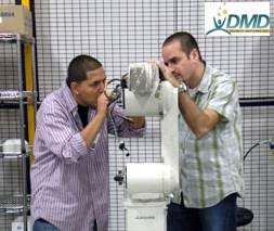US – Nhân viên Mitsubishi dạy nghề và huấn luyện thực tập cho người khuyết tật (Social Welfare)